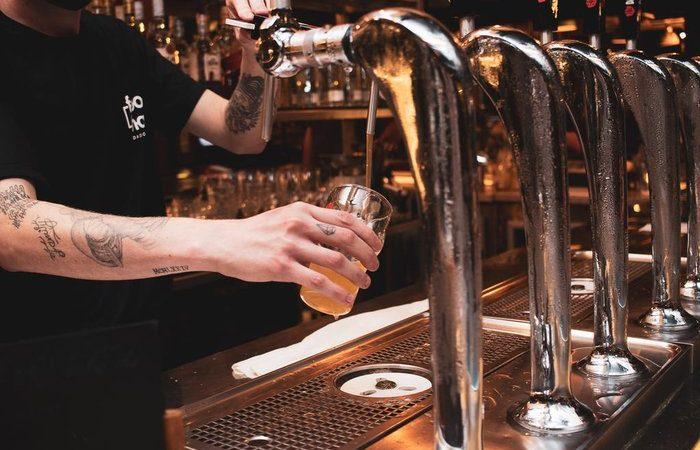 Descubra por que outubro é considerado o mês da cerveja e onde comemorar no Rio Grande do Sul