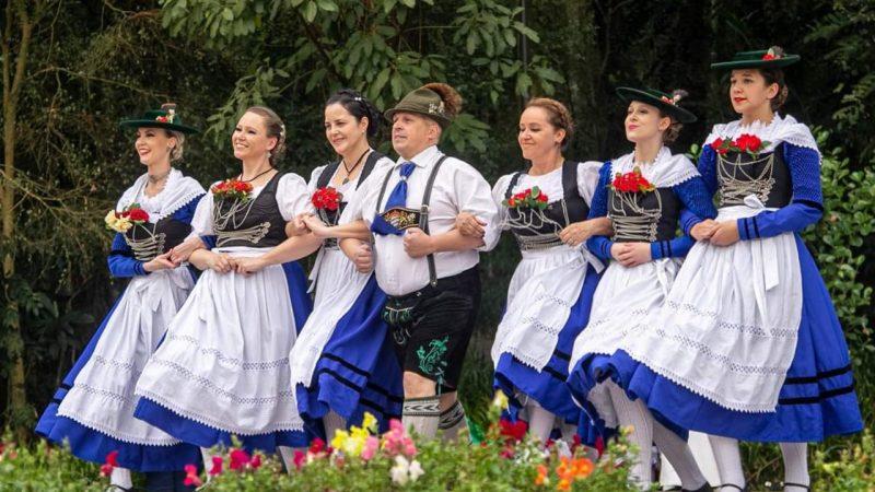 Way Beer promove Ocktoberfest ao ar livre com chope e comida alemã e brincadeiras típicas neste sábado (23)