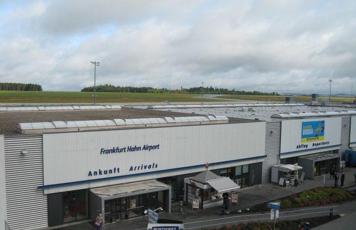 Aeroporto de Frankfurt-Hahn, na Alemanha, pede falência