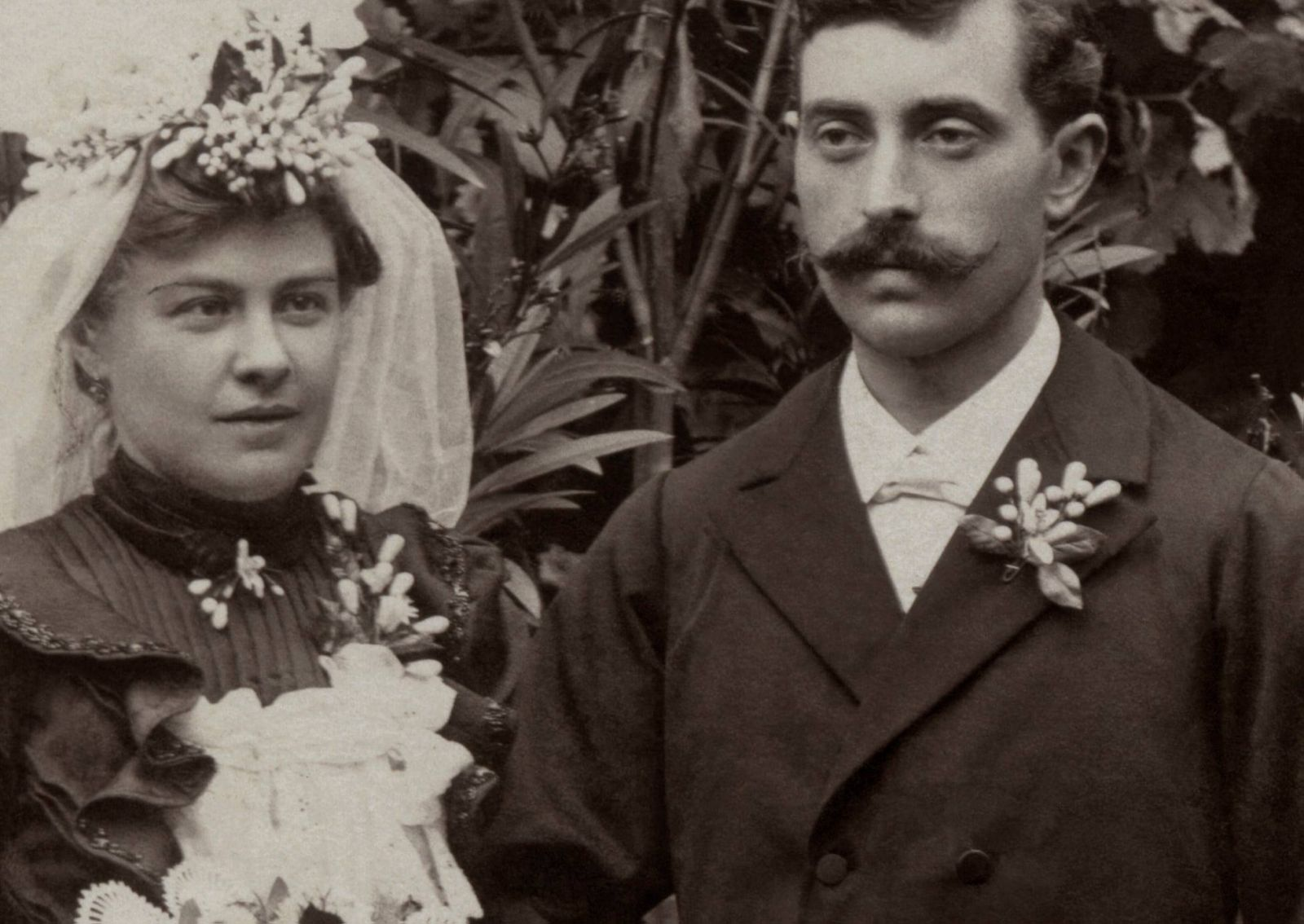 Exposição relembra as noivas pomeranas, vestidos pretos e a cultura alemã na região