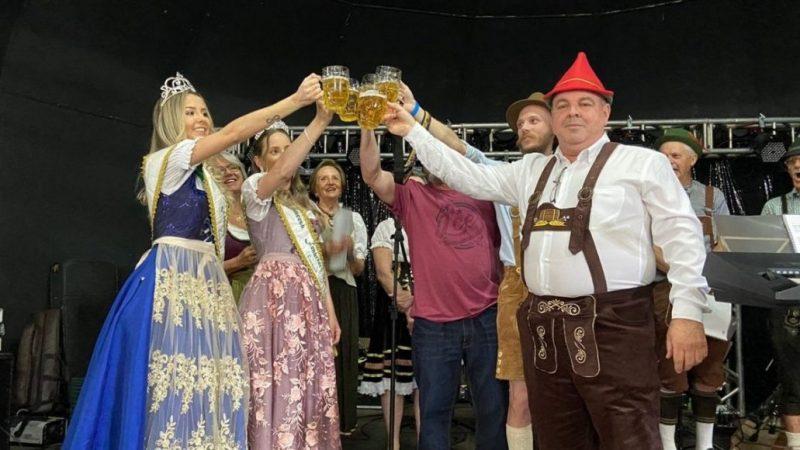 GALERIA – 1ª Esquentarreco reúne família em torno da cultura alemã