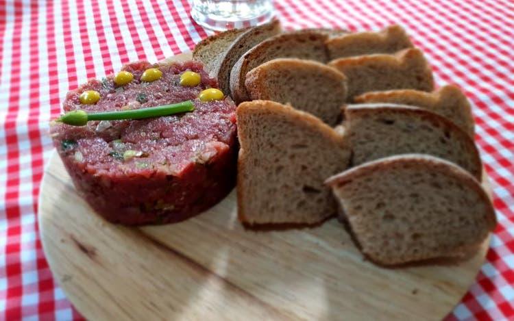 Hackepeter é receita fácil e rápida para saborear e matar as saudades da Oktoberfest